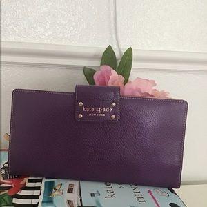 Purple Kate Spade travel wallet🌷